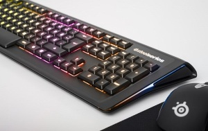 MICO Wars - US$99 SteelSeries Apex M800 Mechanical keyboard lights up when used - 12-01-2015 LHDEER (1)